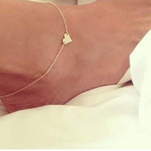 DAINTY GOLD OR SILVER HEART PENDANT ANKLET
